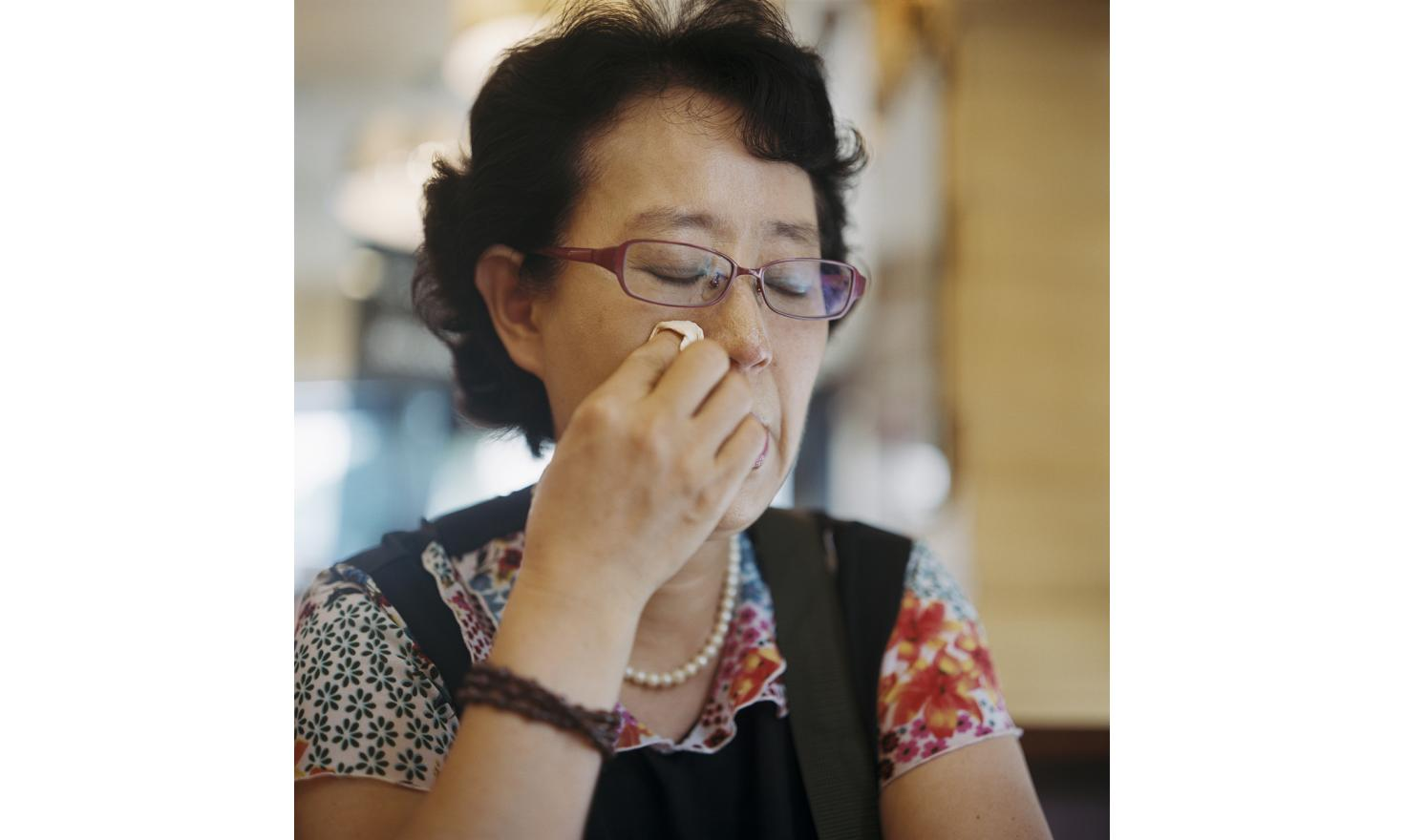 "€œI have no idea at all of how to find her""Seoul First of July 2013. In the coffee shop she asked me to meet her, Mrs. Lee Suk Yun, 58 years old, shows me some photos of herself and her daughter born in 1979. ""My husband was not a good husband. I got"
