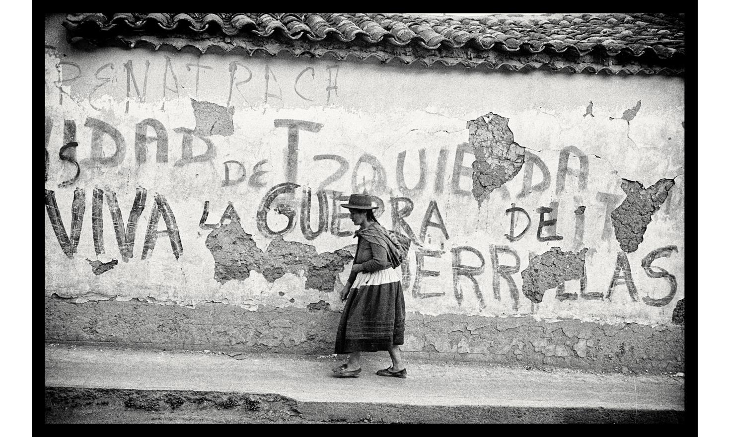 """The """"Shining Path"""" - Senderoso luminoso- is a violent maoist guerrilla fighting the peruvian army, and the peruvian institutions, in the Ayacucho region. Ayacucho, Peru. October 1982"""