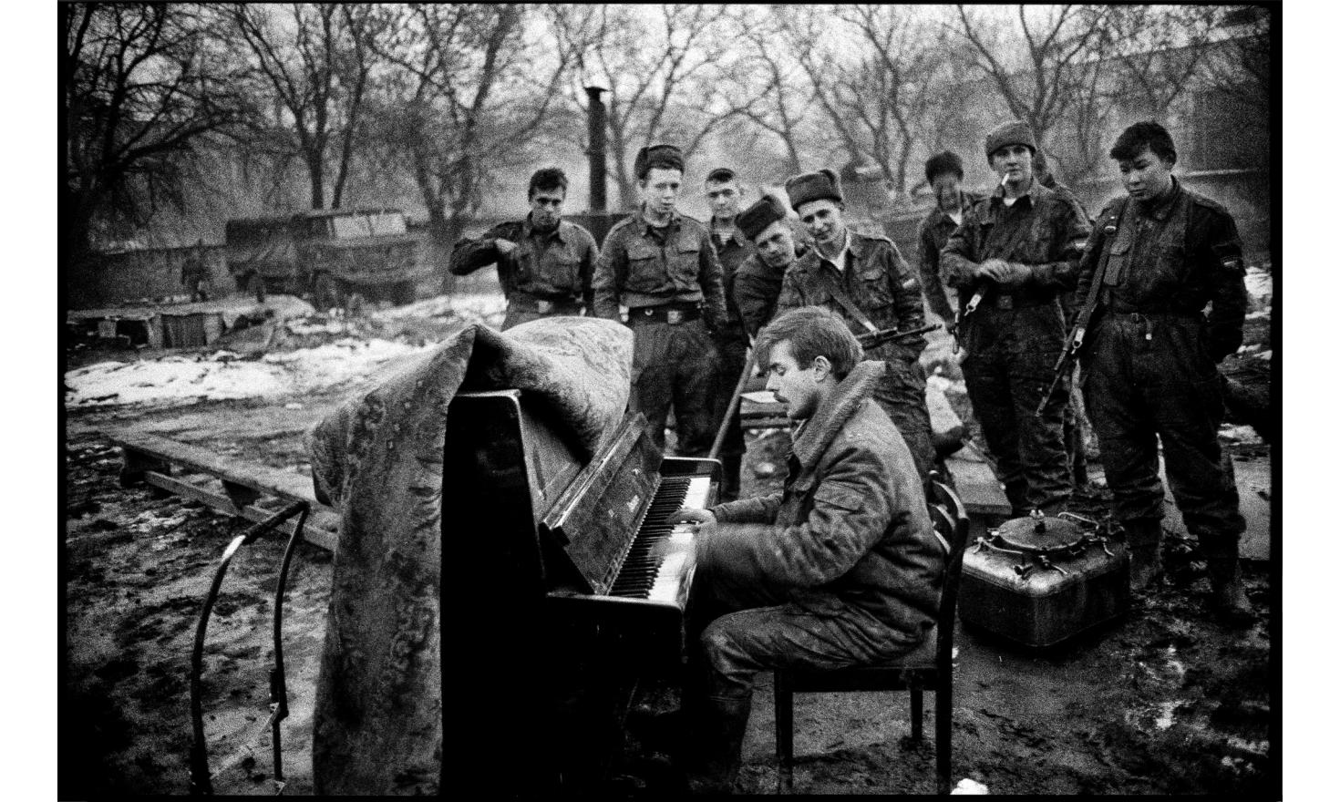 The pianist. Russian army headquarters. Grozny, Chechnya. January 1995