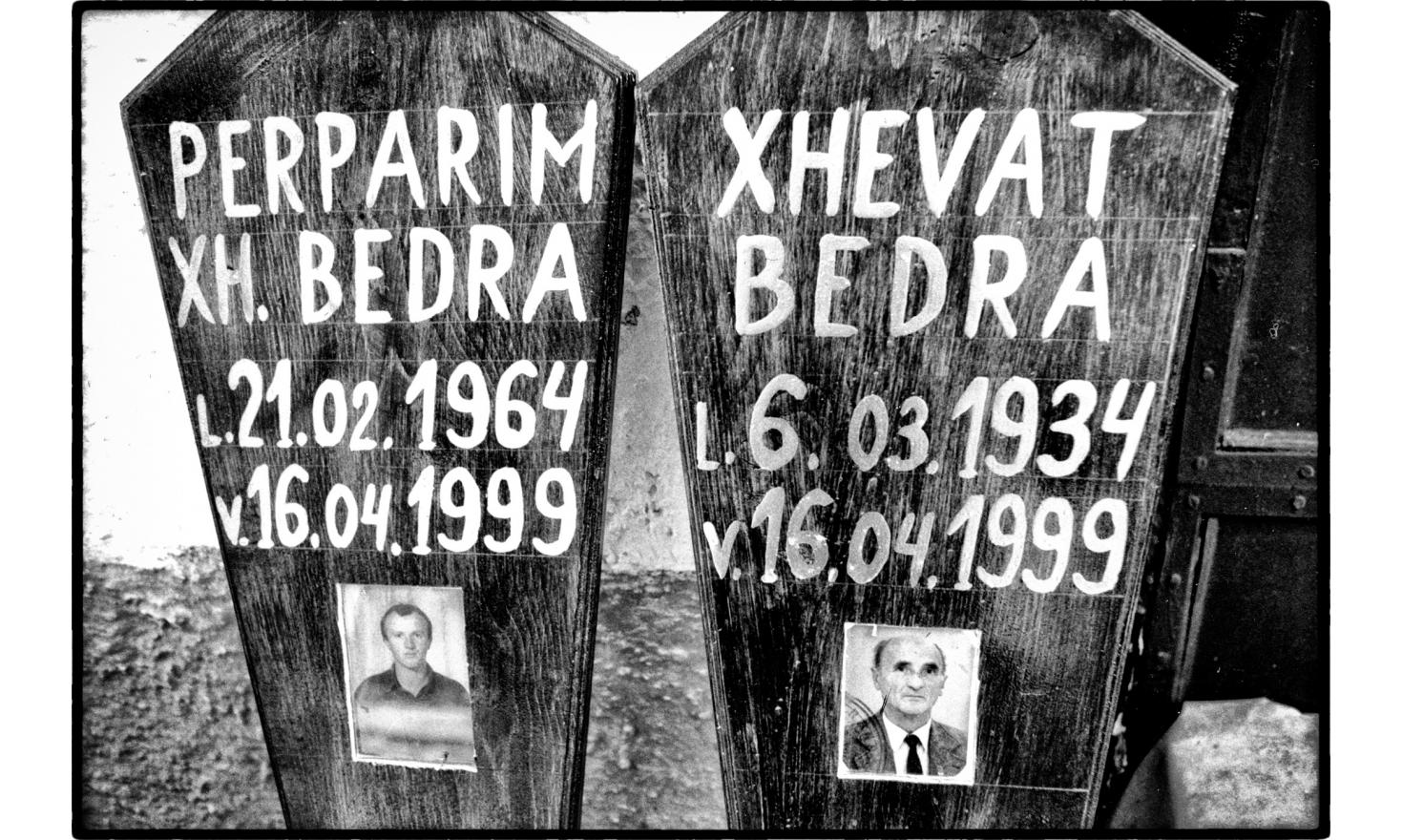 After the departure of the serbian forces from Kosovo, Albanians  bury  their dead. Pristina, Kosovo.07-1999
