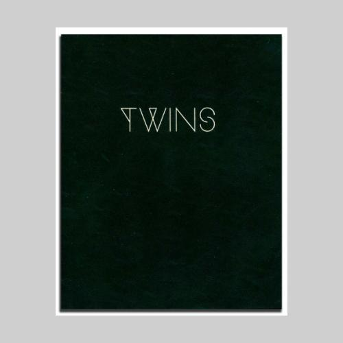 TWINS. 2019. Poursuite Editions.